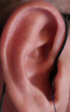 AGPTEK-sleep-earbuds-in-ear