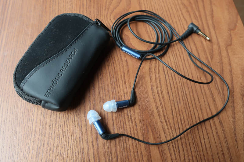 ER2XR complete cable and pouch